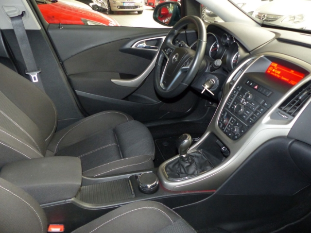 Opel Astra J TEMPO ALU PDCv+h SITZHZ MF.LENKRAD