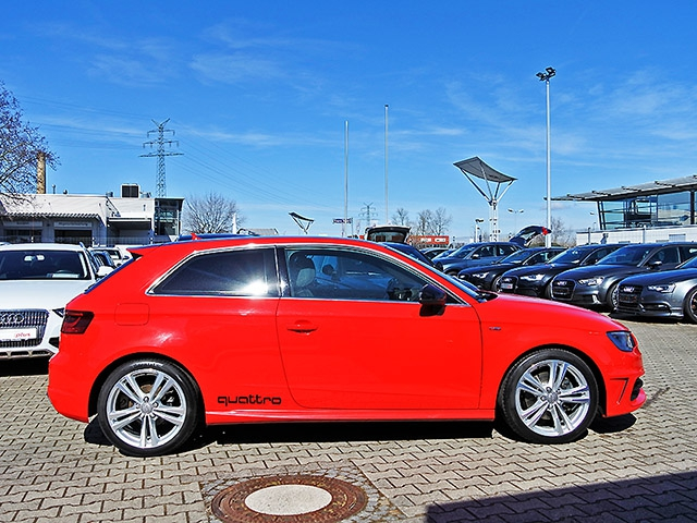 Audi A3 2.0 TDI quattro S tronic S line LED Navi GRA LM PDC