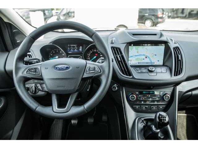 Ford Kuga 1.5 EcoBoost 2x4 Titanium