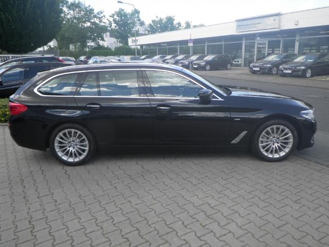 BMW 530 i A Touring Luxury Line Panorama RFK DAB HUD adLED Navi Prof