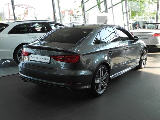 Audi A3 Limousine 2.0 TDI S tronic S line LED Navi PanoDach GRA LM SD PDC