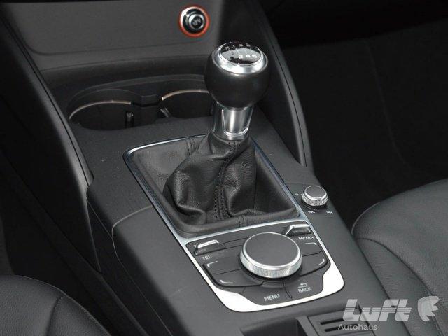 Audi A3 Limousine 1.6 TDI Ambiente