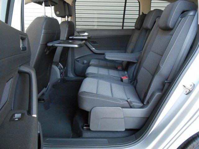 VW Touran 2.0 TDI DSG Comfortline 7-Sitze Navi GRA LM PDC BMT