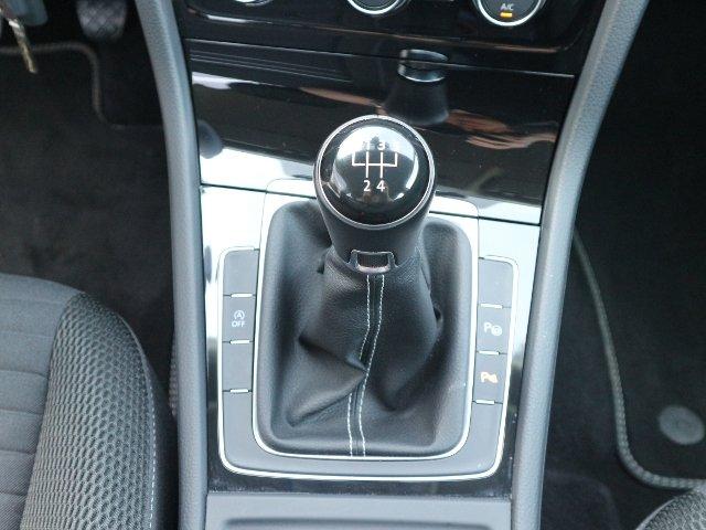 VW Golf VII 1.6 TDI Cup XENON NAVI