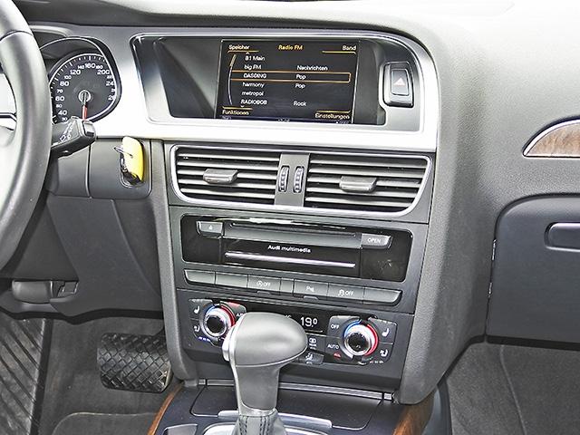 Audi A4 Avant 2.0 TFSI quattro S tronic Ambiente S line Ext. Xenon Navi PanoDach Leder GRA LM SD PDC