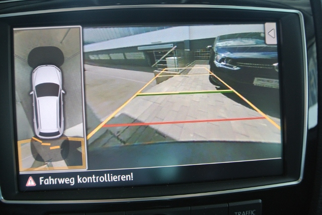 VW Touareg V6 4MOTION 3.0 TDI BMT KLIMA XENON NAVI LEDER ALU