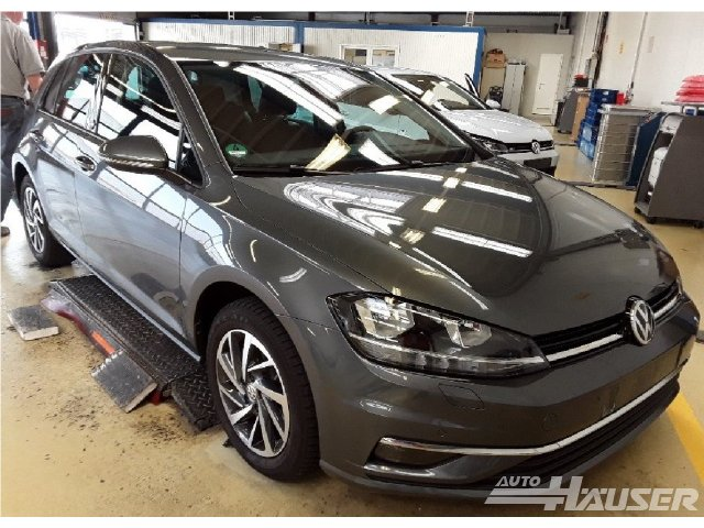 VW Golf VII Facelift 1.5 TSI ACT DSG SOUND NAVI ACC