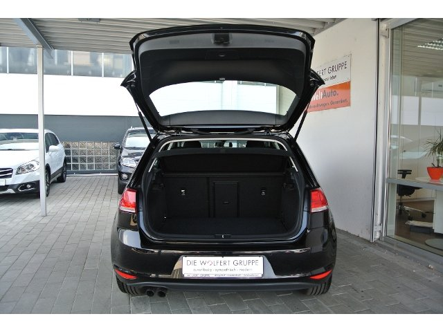 VW Golf VII 2,0 TDI BMT DSG Comfortline KLIMA NAVI
