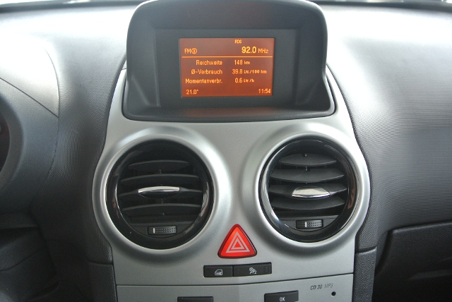 Opel Corsa D 1.4 Satellite KLIMA ALU