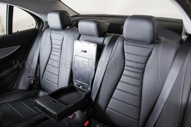 Mercedes-Benz E 220 d AVANTGARDE Leder schwarz WIDESCREEN EGSD COMAND