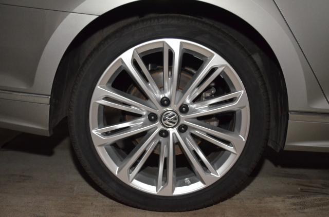 VW Passat Variant 2.0 TDI SCR DSG (BlueM. Tech) Highline